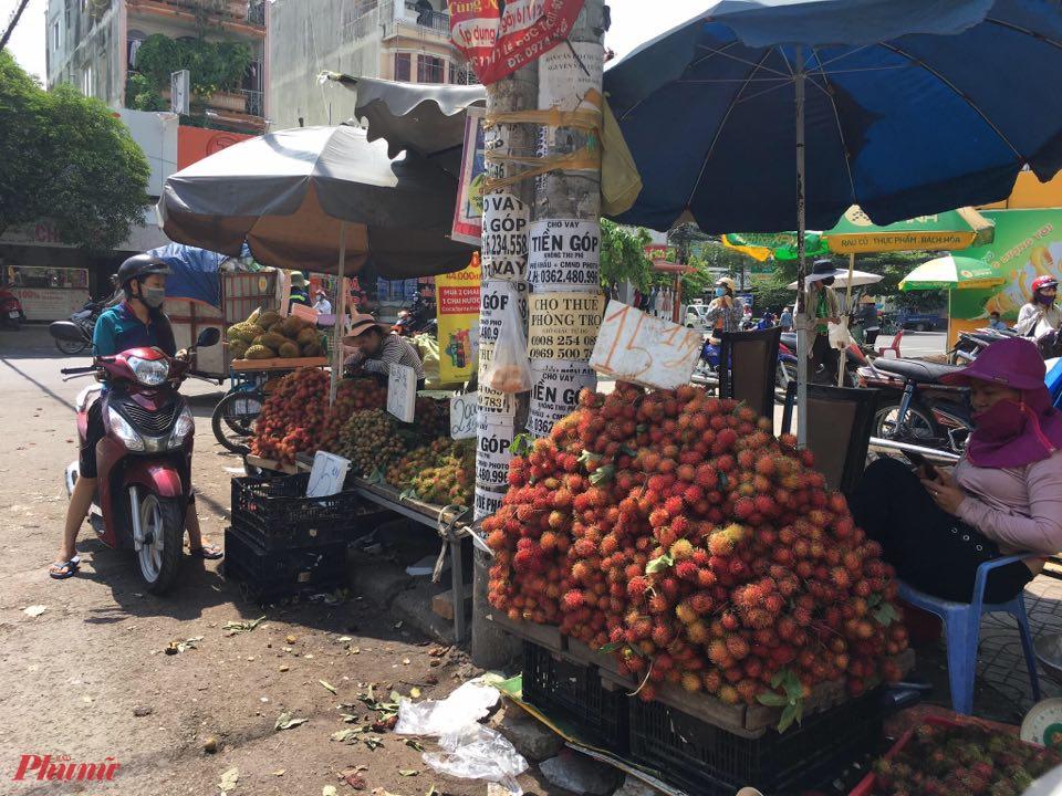 Chôm chôm vào mùa, giá bán lẻ từ 15.000 - 20.000 đồng/kg