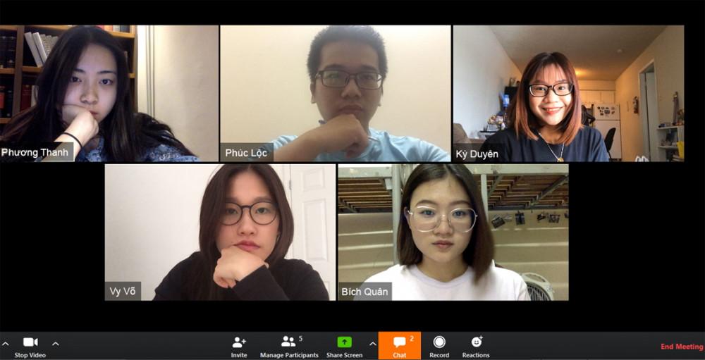 Đỗ Phương Thanh cùng Nguyễn Lê Bích Quân với dự án Pay It Forward trong những ngày nghỉ học vì COVID-19