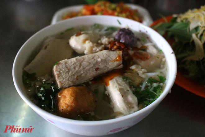 Bún mọc Thanh Mai (14 Trương Định, Phường Bến Thành, Quận 1, Hồ Chí Minh)