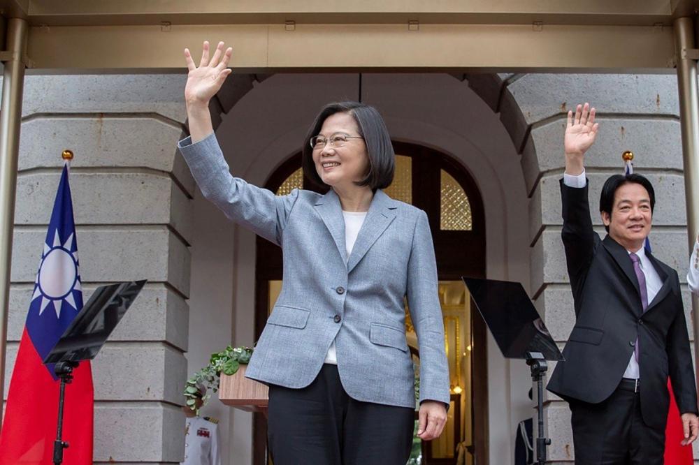 Nhà lãnh đạo Đài Loan Thái Anh Văn cùng cấp phó William Lai tại lễ nhậm chức hôm 20/5 - Ảnh: Văn phòng tổng thống Đài Loan qua AFP