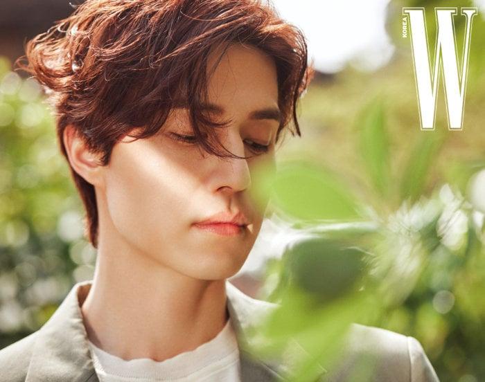 vẻ đẹp không góc chết của Lee Dong Wook ở tuổi 39.