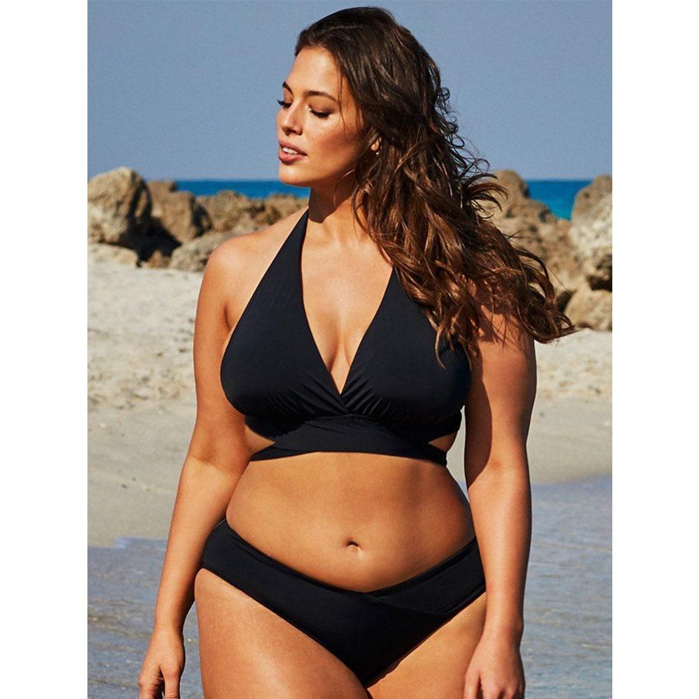 Áo tắm một size, quần một size sẽ giúp người mặc tôn lên đường nét cơ thể khi sở hữu dáng hình thiếu cân đối