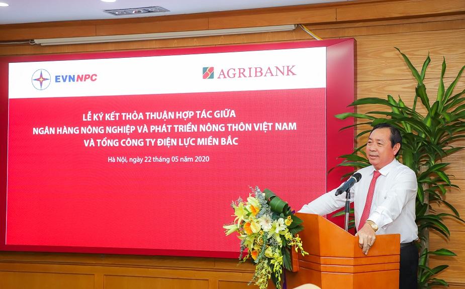 Tổng giám đốc Agribank Tiết Văn Thành phát biểu tại buổi lễ