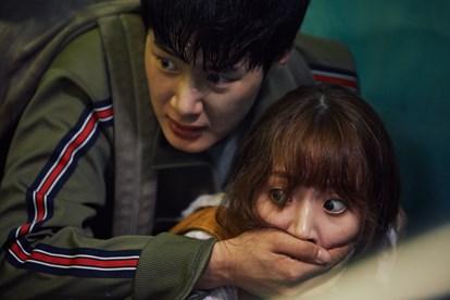 Nam diễn viên trẻ Kim Dong-hee nhận được sự chú ý qua bộ phim Ngoại khóa.