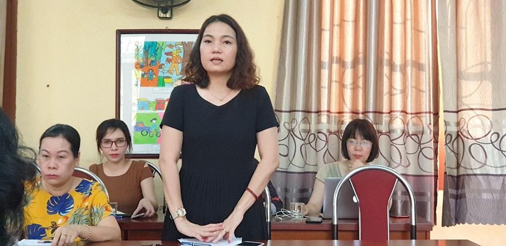 Hiệu trưởng Trường tiểu học Quang Trung báo cáo tại buổi làm việc