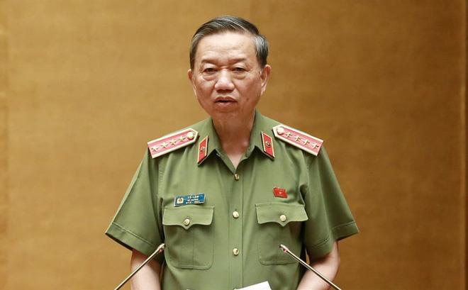 Bộ trưởng Tô Lâm cho biết Dự thảo luật sẽ xóa bỏ sổ hộ khẩu, sổ tạm trú để tinh