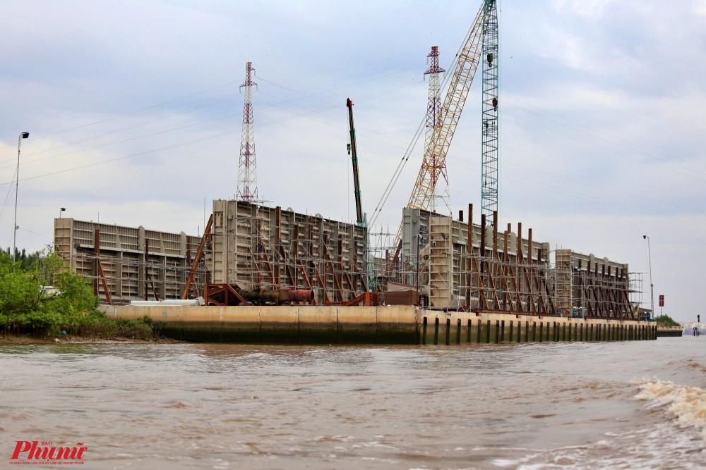Khu vực cống ngăn triều Mương Chuối, huyện Nhà Bè
