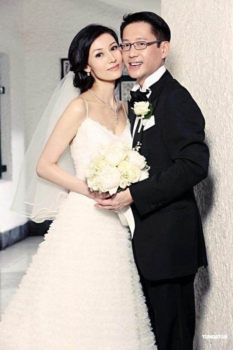 Ảnh cưới của Lý Gia Hân và chồng