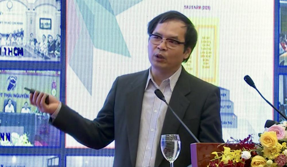 Tiến si Tô Hoài Nam- Phó Chủ tịch, Tổng Thư ký Hiệp hội doanh nghiệp nhỏ và vừa tại Việt Nam chia sẻ tại Hội nghị chiều nay (26/5).