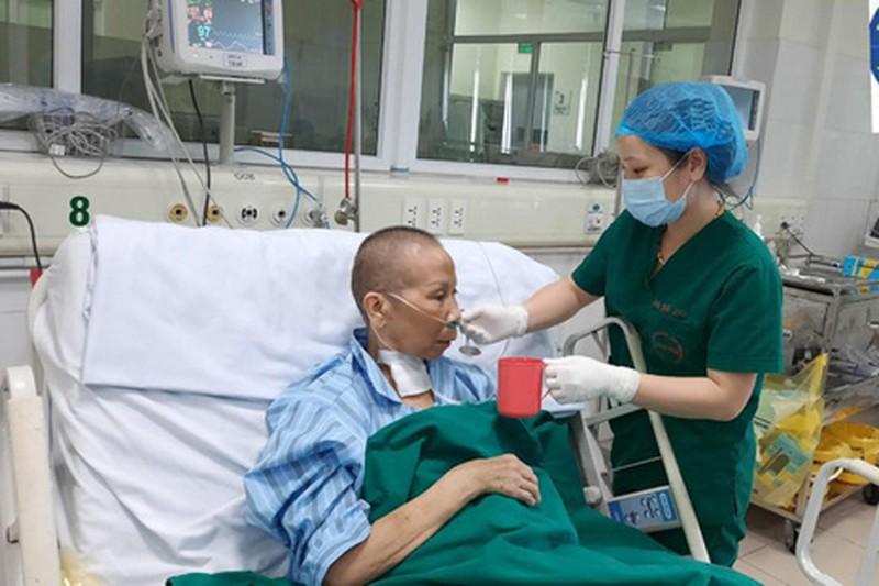Bác của bệnh nhân thứ 17 ở Hà Nội là bệnh nhân nặng nhất trong số các bệnh nhân COVID-19 được điều trị tại Hà Nội nay đã khỏi bệnh.