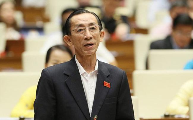 ĐBQH Trần Hoàng Ngân đã tự tranh luận để quyết định ủng hộ phương án nào liên quan dịch vụ đòi nợ thuê