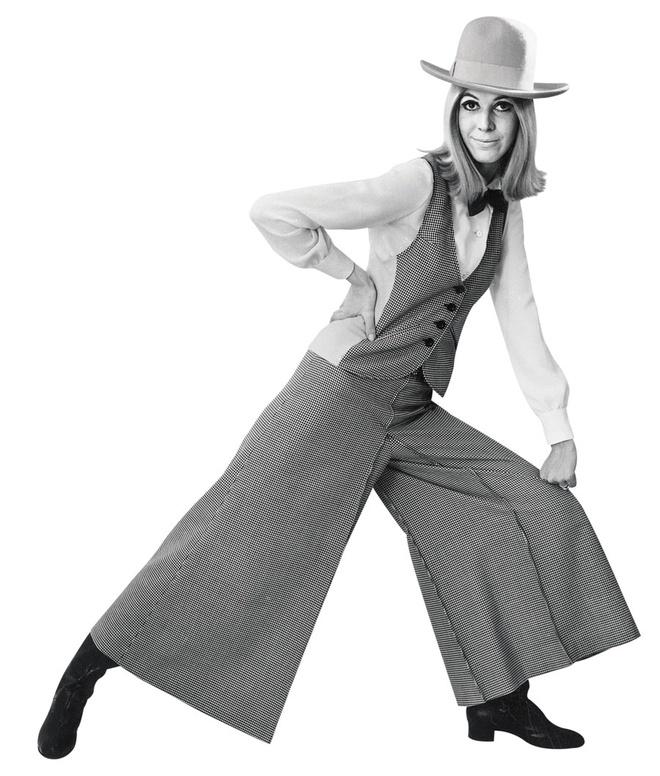 Mary Quant và bộ suit kết hợp culottes bằng vải sọc caro