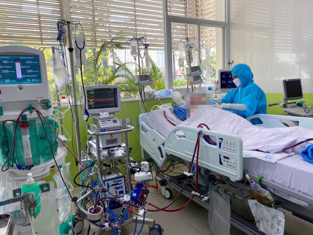 Phi công Vietnam Airlines mắc COVID-19 bắt đầu ngưng thuốc giãn cơ