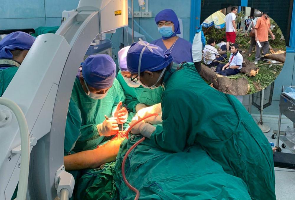 Ca mổ cho 2 học sinh bị chấn thương nặng nhất do cây phượng đè