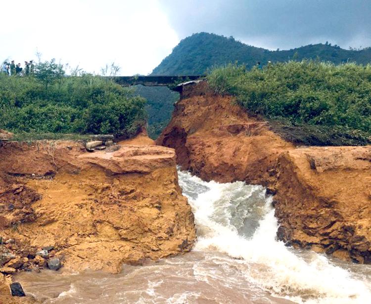 Khu vực đập bị vỡ