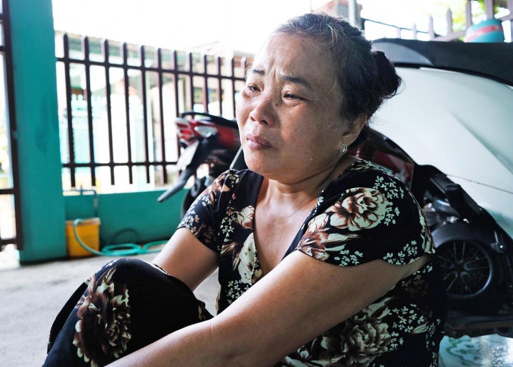 Bà Lê Thị Tư - vợ ông Phước đau đớn kể lại  những ngày tháng đi kêu oan của chồng