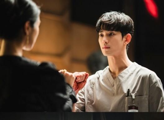 Diễn xuất chân thật của Kim Soo Hyun nhận được nhiều đánh giá tích cực.