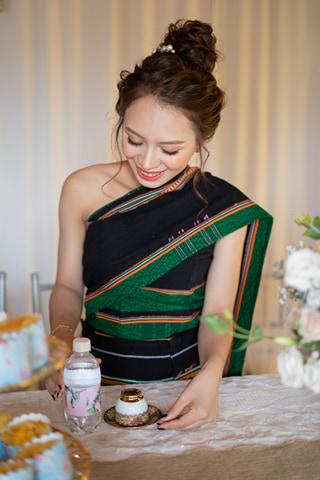Cô dâu rạng ngời trong trang phục truyền thống(Ảnh nhân vật cung cấp)