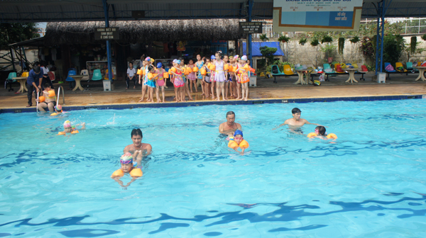 Phổ cập bơi cho trẻ là điều cần thiết để hạn chế đuối nước ở trẻ em