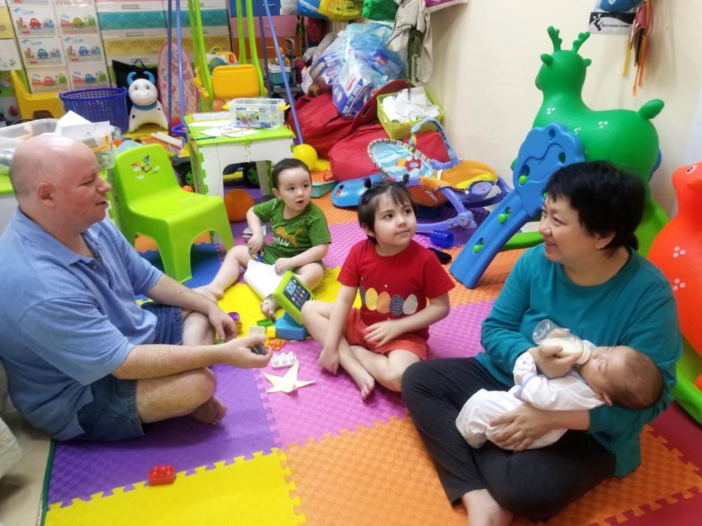 Cuộc sống hiện tại bên ba đứa con là điều mà vợ chồng chị Thùy Linh chưa bao giờ dám mơ