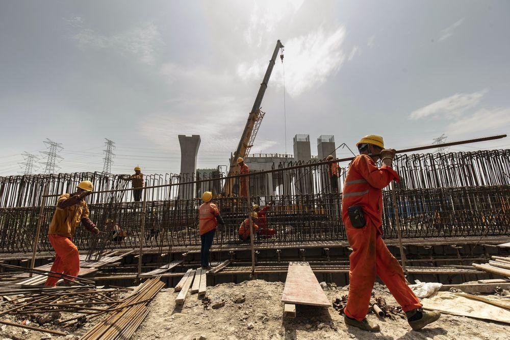 Một công trường xây dựng ở ngoại ô Thượng Hải - Ảnh: Bloomberg