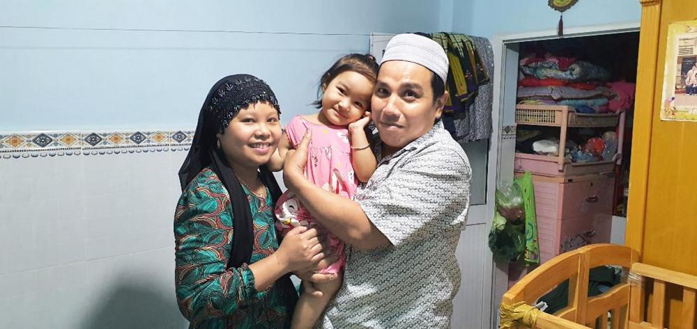 vợ chồng anh Ca Riêm và chị SaKyNah