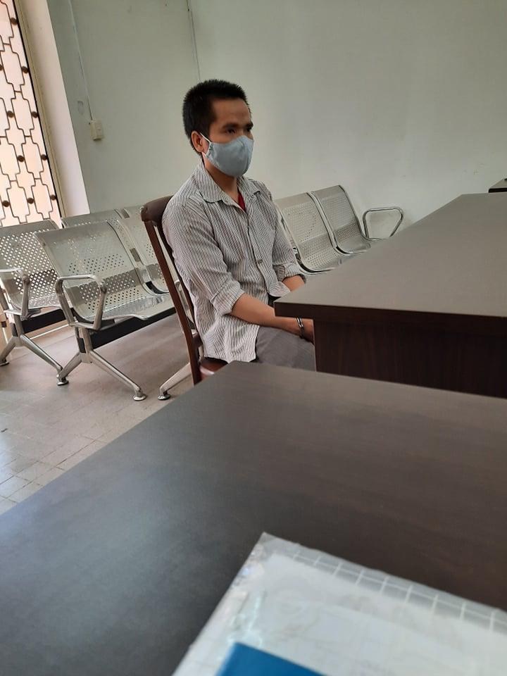 Bị cáo Lê Văn Chưa, tại tòa. Ảnh do LS Trần Ngọc Nữ - Luật sư bảo vệ quyền lợi cháu L. cung cấp.