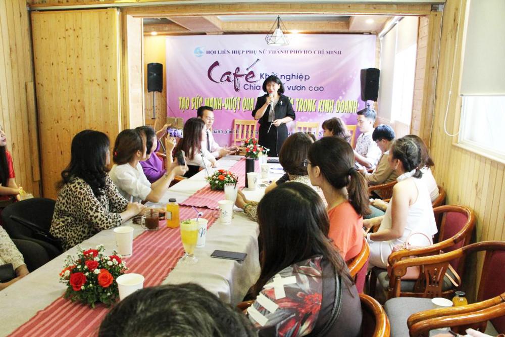 Bà Trần Thị Phương Hoa - Phó chủ tịch Hội LHPN TP.HCM - chia sẻ tại diễn đàn