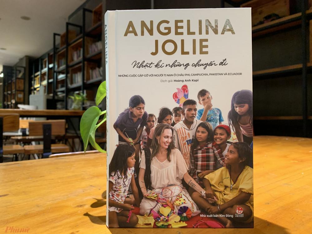 Những dòng ghi chép của Angelina Jolie trong nhật ký là hành trình tự thức tỉnh của nữ diễn viên về hoạt động nhân đạo.