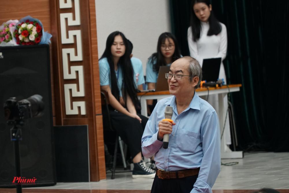 Ông Mai Phú Thanh, chuyên viên bộ môn Địa của Sở GD-ĐT TP.HCM