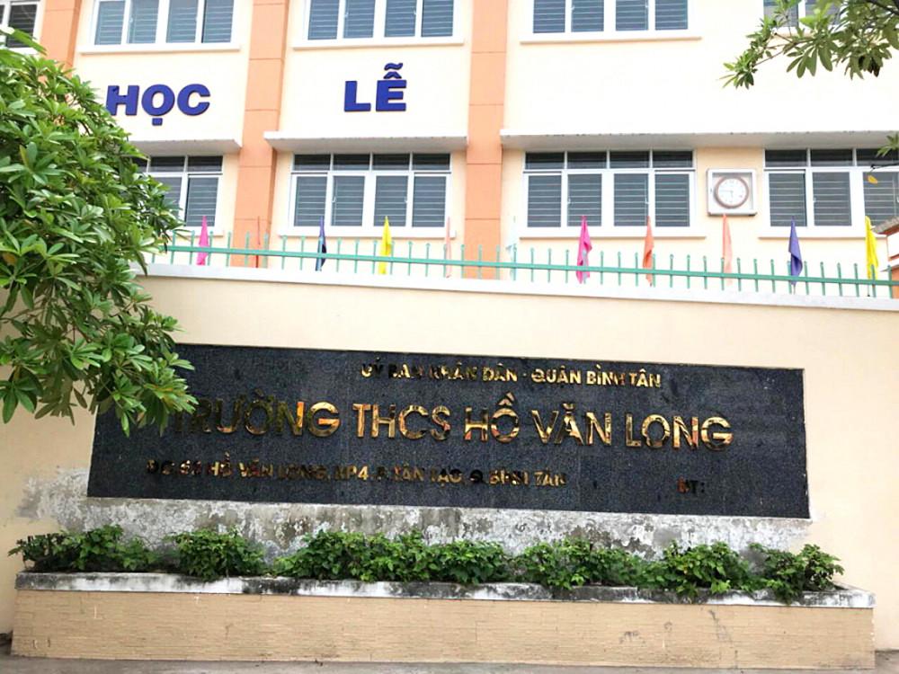 """Giáo viên Trường THCS Hồ Văn Long không đồng tình việc chỉ """"phê bình"""" hiệu trưởng khi có nhiều dấu hiệu sai phạm tài chính"""