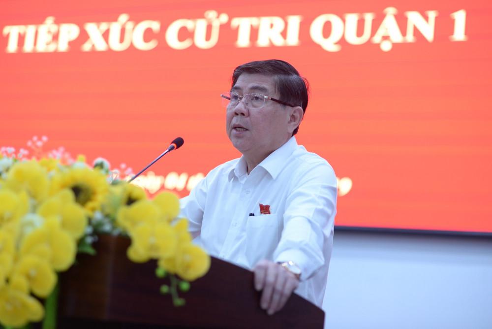 Chủ tịch UBND TPHCM Nguyễn Thành Phong thông tin đến cử tri Q.1 tình hình kinh tế của địa phương
