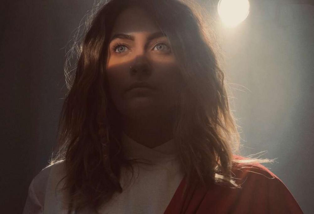 Hình ảnh của Paris Jackson trên phim.