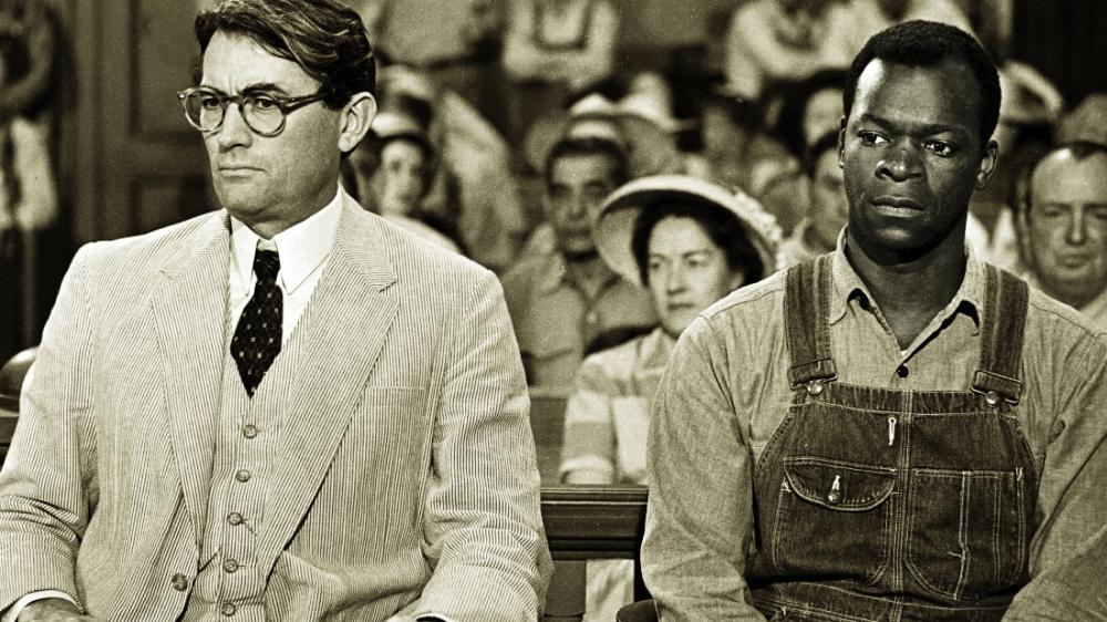 Atticus và Tom Robinson trong phiên xử