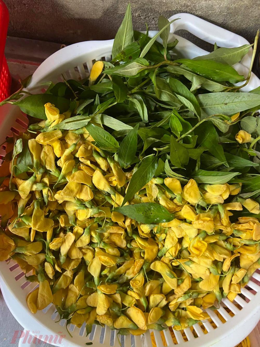 Các loại rau dùng cho món bún cá.