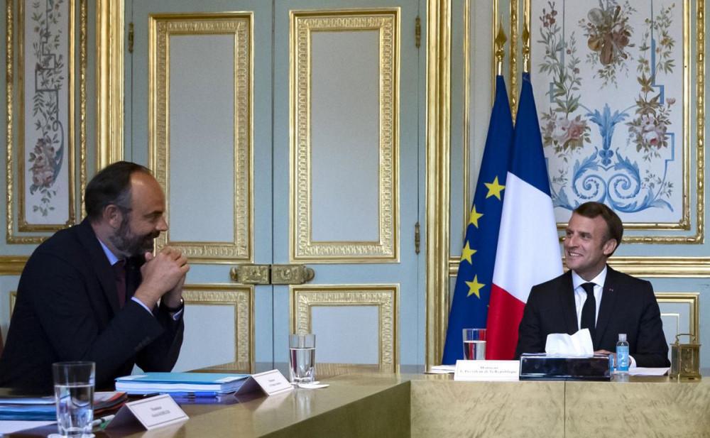 Thủ tướng  Édouard Philippe (trái) và Tổng thống Emmanuel Macron.
