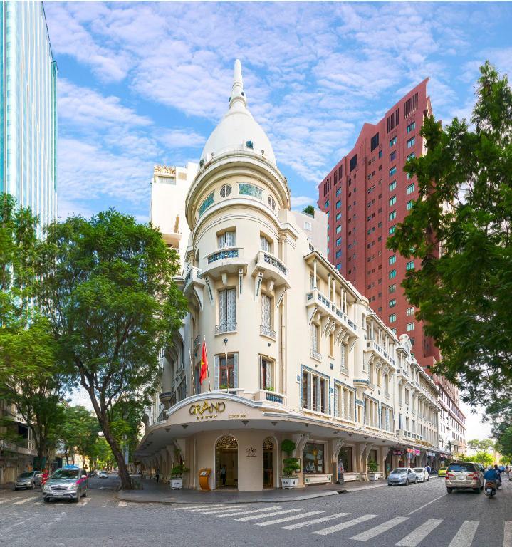 Grand Hotel là một trong những khách sạn cổ của Sài Gòn.