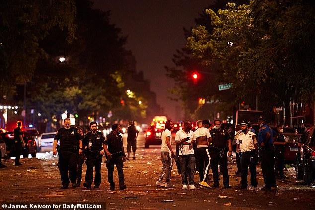 """Nước Mỹ chìm trong bạo lực và đã """"đổ máu"""" trong Ngày Độc lập 4/7."""