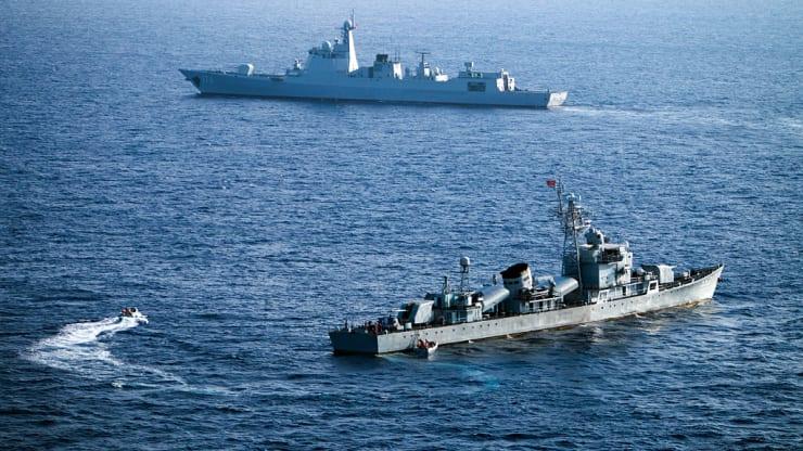 Bức ảnh chụp ngày 5/5/2016 cho thấy thành viên Hạm đội Biển Nam Trung Quốc tham gia một cuộc tập trận tại Biển Đông.