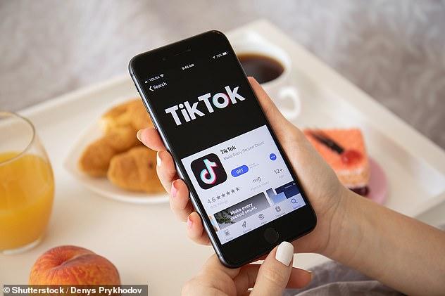 Ứng dụng TikTok thu hút hàng triệu người dùng trên toàn cầu. Là ứng dụng được tải về kỷ lục trong một quý.