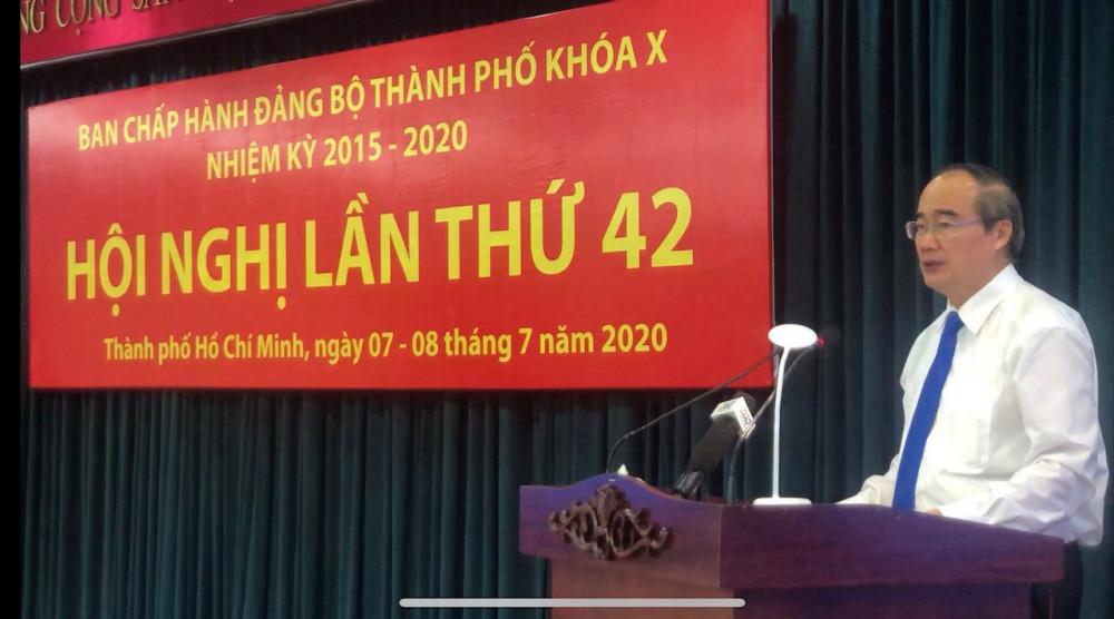 Bí thư Thành ủy TPHCM Nguyễn Thiện Nhân phát biểu khai mạc Hội nghị Thành ủy lần thứ 42. Ảnh: Quốc Ngọc