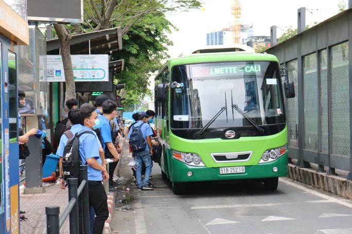 Không có việc xe buýt tạm ngưng hoạt động ngày 15/8. Ảnh minh họa