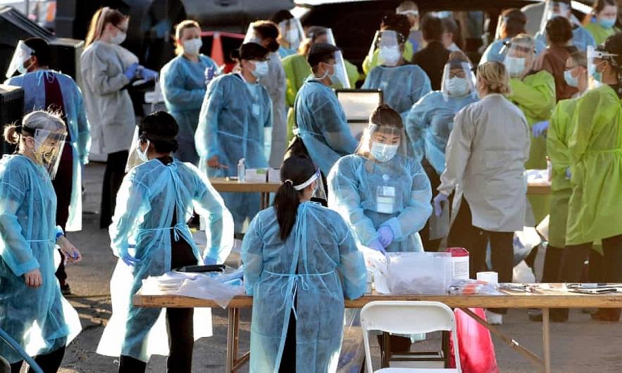 Đơn vị chăm sóc tích cực ICU ở nhiều bệnh viện đã bắt đầu quá tải, dù số ca nhiễm không ngừng tăng lên.