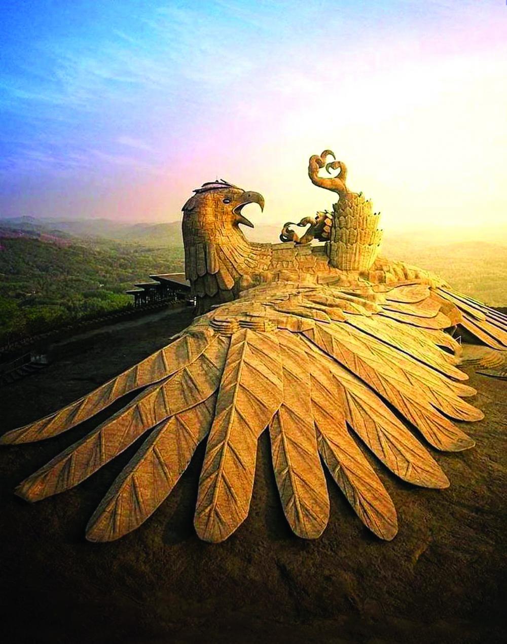 Chim đại bàng Jatayu - sử thi Ramayana - Công viên Jatayu Earth's Center, Ấn Độ