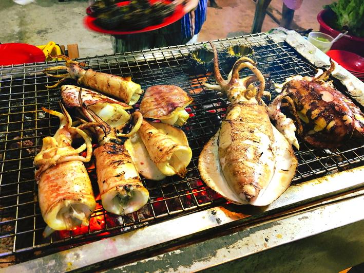 Hải sản hòn Sơn mùa này vừa tươi ngon vừa rẻ