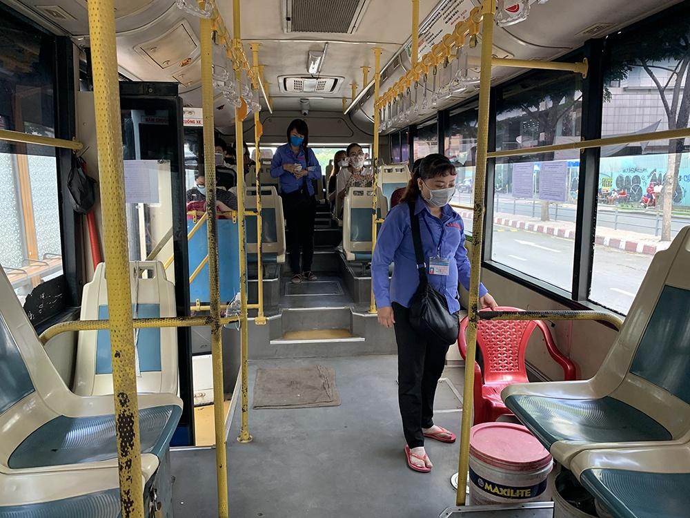 Xe buýt vắng khách nên nhiều doanh nghiệp, HTX xe buýt thu không đủ bù chi