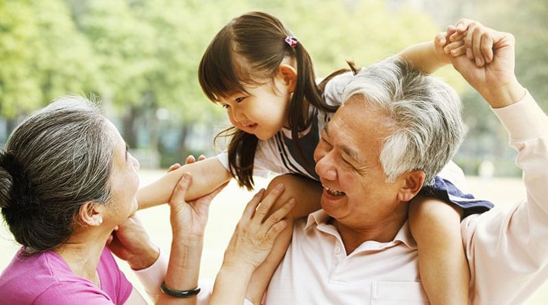 Sau khi vui vẻ vì có những đứa cháu gái, thi thoảng ông bà cũng bóng gió mong mỏi đứa cháu trai. Ảnh minh họa