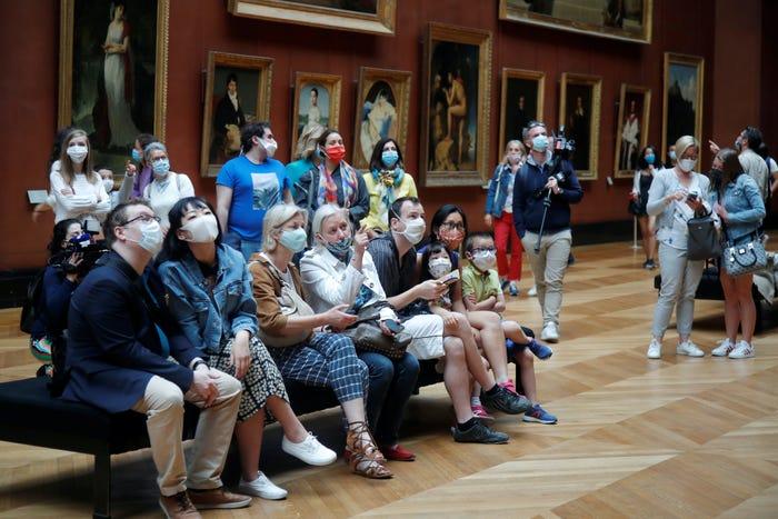 Khách tham quan được yêu cầu đeo khẩu trang suốt thời gian ở bảo tàng
