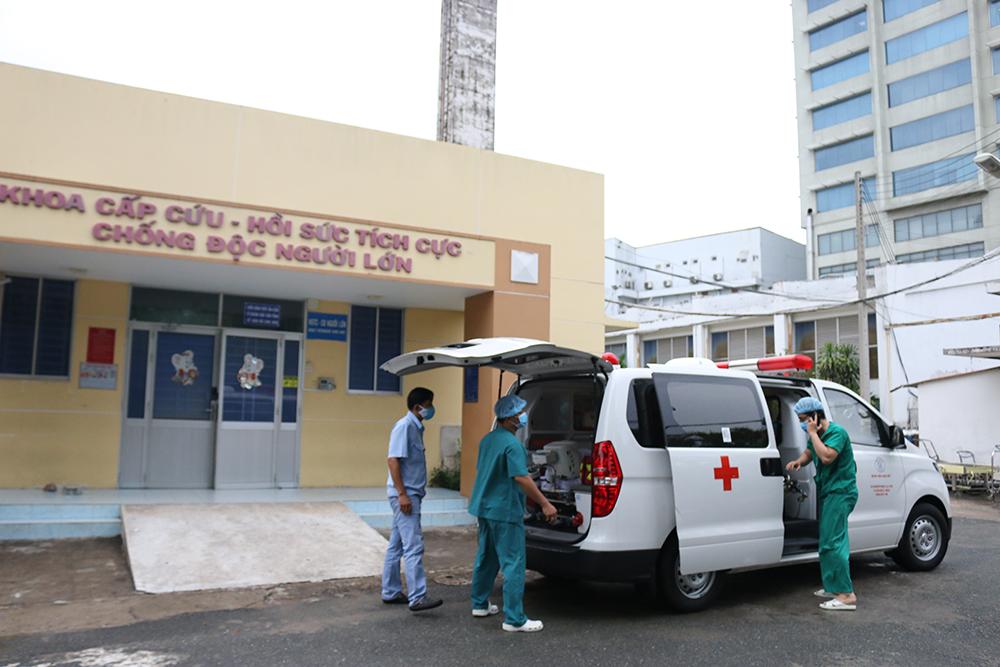 Ngày 18/3/2020, bệnh nhân thứ 91 mắc COVID-19 (43 tuổi, phi công Vietnam Airlines) được công bố, ông là bệnh nhân có nhiều chuyển biến bệnh phức tạp nhất trong 369 bệnh nhân COVID-19 tại Việt Nam. Bệnh nhân này từng đến quán bar Buddha ở quận 2 và nhiều địa điểm khác. Trước khi được xác định dương tính với virus SARS-CoV-2, bệnh nhân đã thực hiện hai chuyến bay khứ hồi TPHCM - Hà Nội  trong ngày 16/3/2020.  Sau đó, bệnh nhân được đưa tới Bệnh viện Bệnh nhiệt đới TPHCM cách ly điều trị.