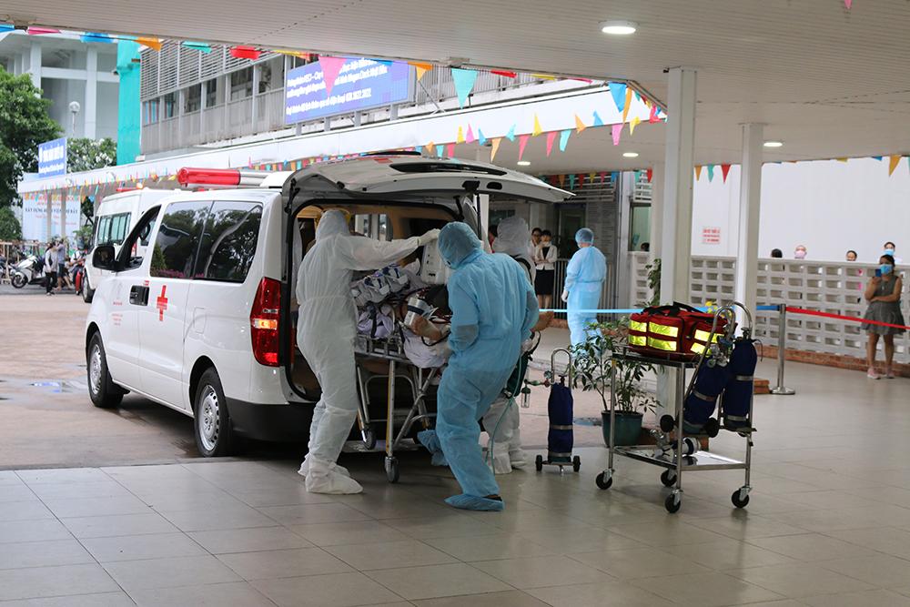 Ngày 22/5/2020, sau khi các bác sĩ Bệnh viện Bệnh nhiệt đới đã cấy viurs cho bệnh nhân 91, thực hiện 7 lần xét nghiệm có kết quả âm tính với virus SARS-CoV-2, về sức khỏe lâm sàng, bệnh nhân cũng dần ổn định. 17g cùng ngày, ê-kíp bác sĩ của Bệnh viện Chợ Rẫy đã sang Bệnh viện Bệnh nhiệt đới TPHCM đưa bệnh nhân 91 về Chợ rẫy tiếp tục điều trị theo chỉ đạo của Bộ Y tế.